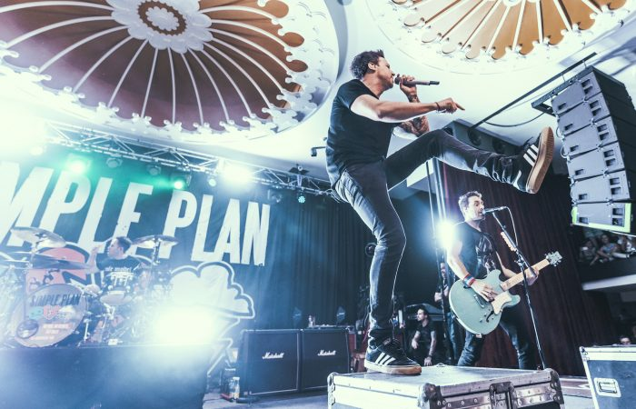 SIMPLE PLAN // There Is No Shaking The Smiles Off Of Their Fans