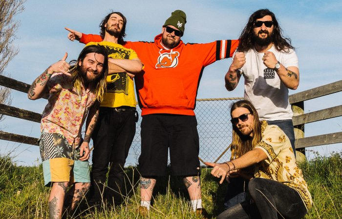 THE BENNIES // Partying Hard To Monster Bangers!