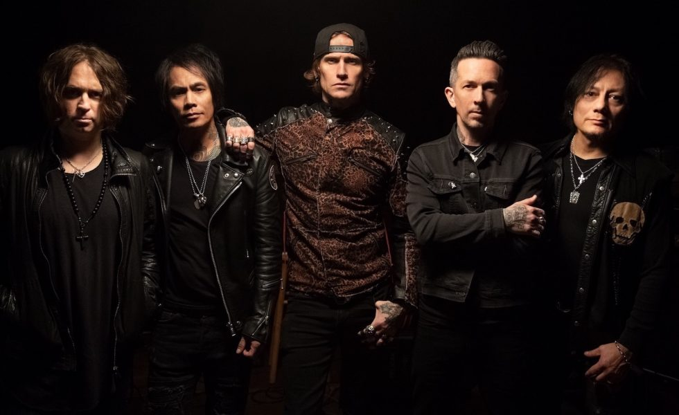 BUCKCHERRY // On The Warpath